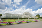 Large glasshouse in a public park — Stock Photo