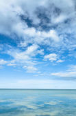 Sea and Bright Sky — Stock Photo