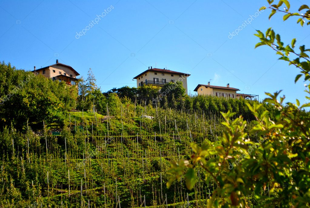 Historic Roman house in the Italian mountains — Stock Photo #5622952