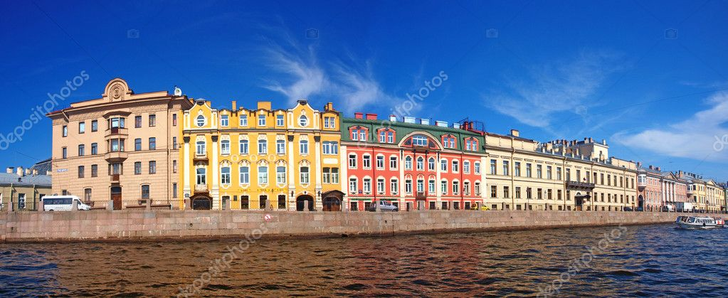 Panorama of Saint-petersburg river channel and old buildings under the blue sky. Russia  — Stock Photo #6401651
