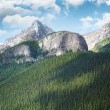 View of the Rocky Mountains in Alberta - 图库照片