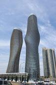 Deux immeubles de grande hauteur. — Photo