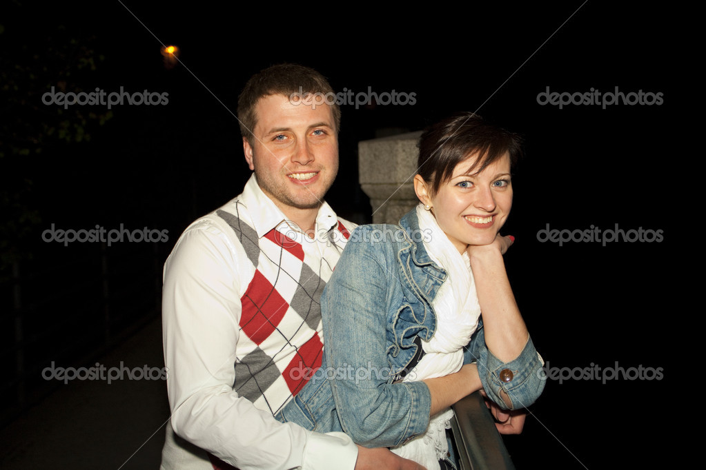 Young couple on the streets of Prague nightlife — Stock Photo #6006595