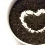 Tea heart isolated on white — Stock Photo