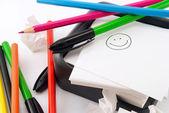 Papel y lápices de colores — Foto de Stock
