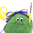Skein of wool with eyes, ribbon, scissors and crochet hooks isol - Stockfoto