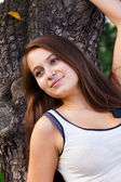 Portrait of a beautiful young woman outdoor — Stockfoto