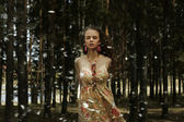 Vrouw in forest fairy — Stockfoto