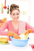 Piatto lavaggio casalinga — Foto Stock