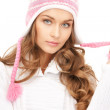 Beautiful woman in winter hat — Stock Photo #6679574