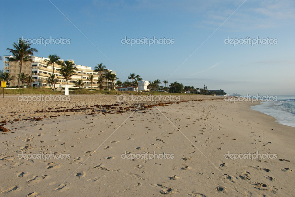Hotels and apartments in the northern part of Palm beach  Stock Photo #5813020