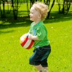 Running toddler — Stock Photo