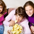 Teens eating crisps — Stock Photo #5775403