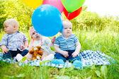 Bebés en el parque — Foto de Stock