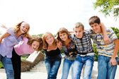 Teenage girls and guys — Stock Photo