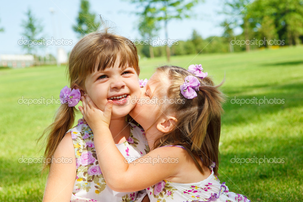 Lovely little sisters — Stock Photo #5775020