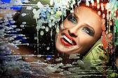 Retrato colorido de uma mulher linda com sorriso — Fotografia Stock