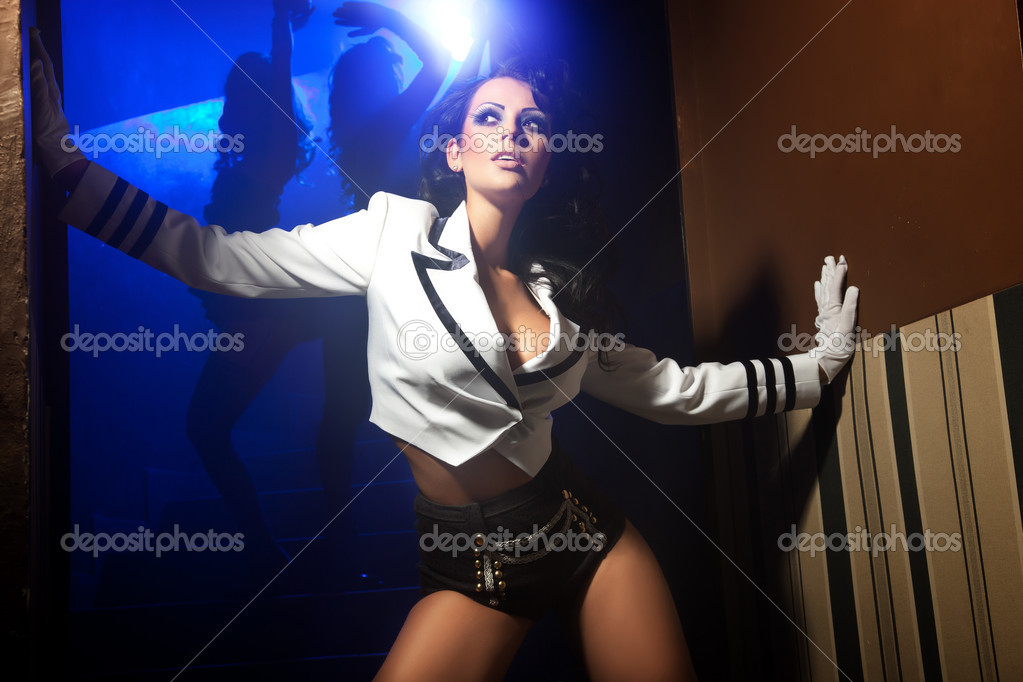 Sexy woman posing at night — Stok fotoğraf #5827355