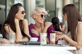 Möte med vänner — Stockfoto