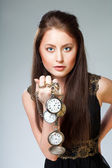 Donna con orologio — Foto Stock
