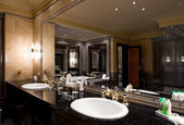 Luxury bathroom interior — Stockfoto