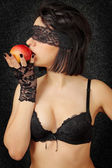 Woman with the apple — Stock Photo