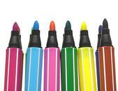 Färg fiberpennor på vit bakgrund — Stockfoto