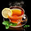 Cup tea with mint and lemon. — 图库照片