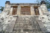 γενειοφόρος άνδρας ναός — Φωτογραφία Αρχείου