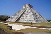 Pyramid in Chichen Itza — Stock Photo