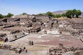 在 teothuacan 中的废墟 — 图库照片
