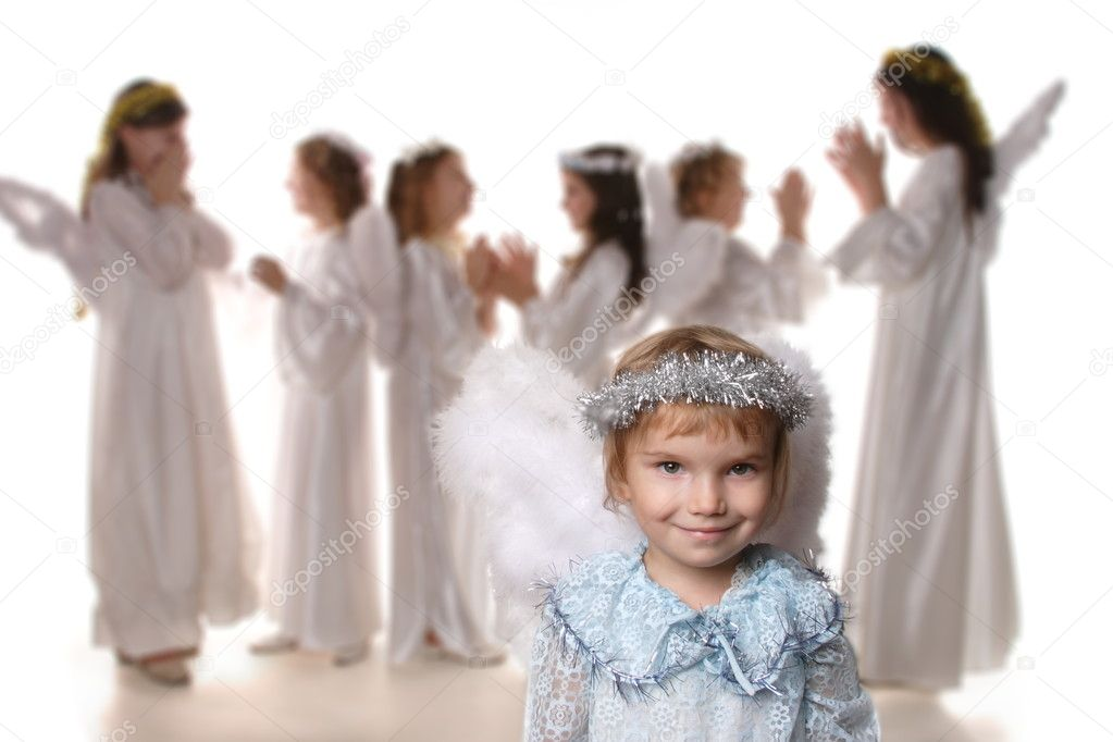 Children are angels in the Nativity of Christ — Stock Photo #5898177