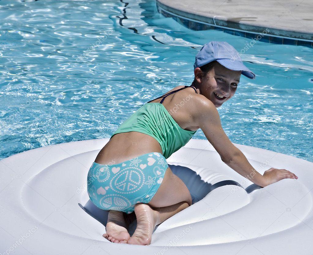 Pool Pornos Heie Teens und Babes im Pool, nach