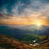 Majestic mountain sunset — Stock Photo