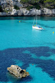 Boat in a beach in Menorca, Balearic Islands, Spain — Stock Photo