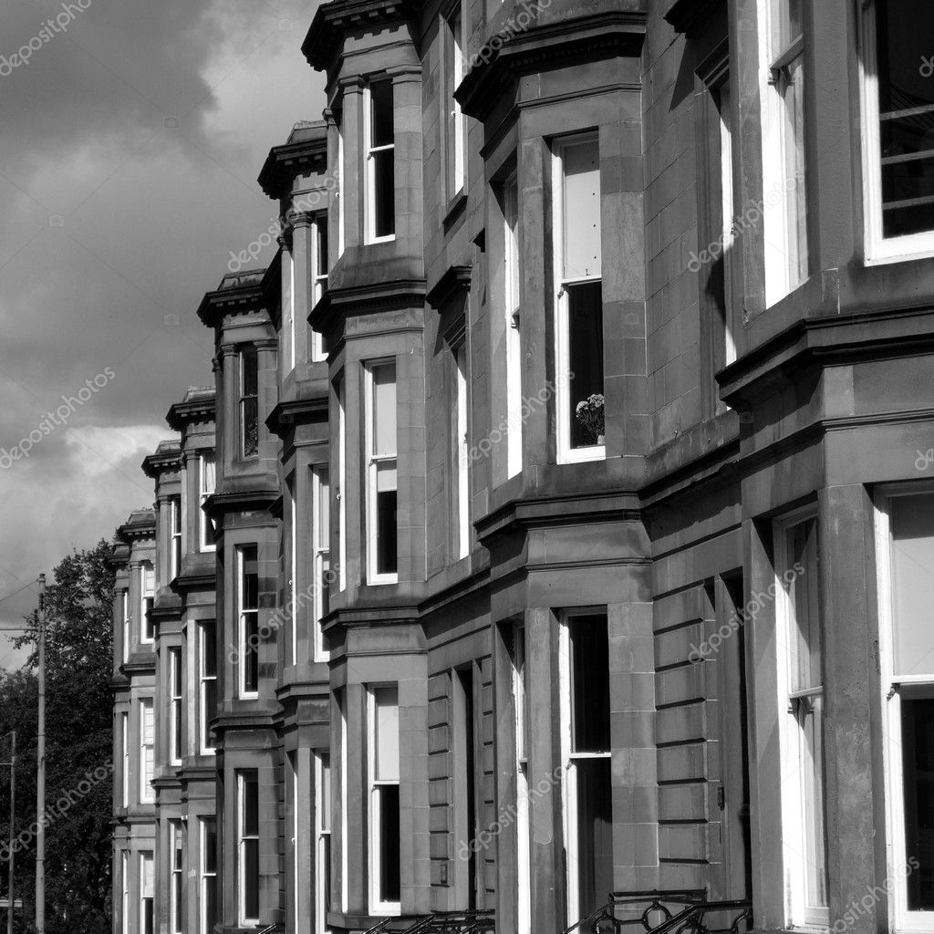A row of terraced houses in Glasgow West End, Scotland — Stock Photo #5489381