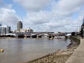 Nad tamizą w londynie — Zdjęcie stockowe