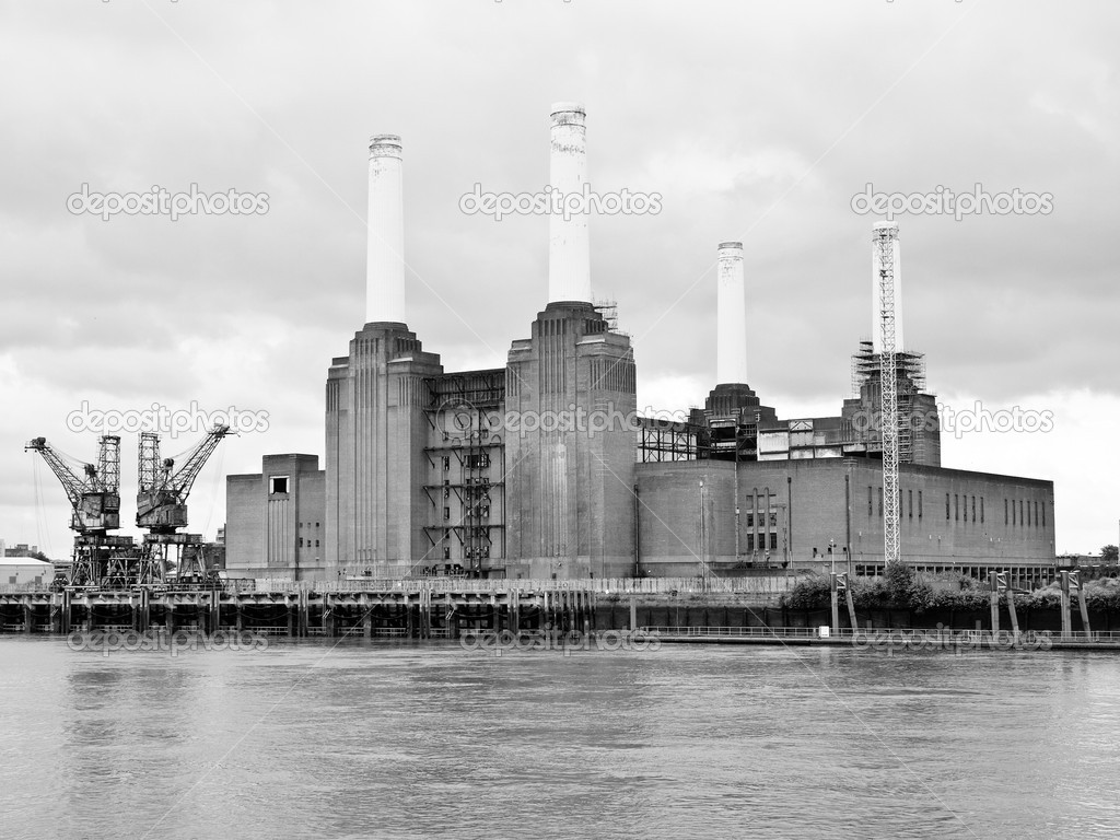 Battersea Power Station in London England UK — Stock Photo #6490341