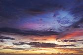 Vista de um lindo céu pôr do sol — Fotografia Stock