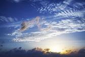 Zobacz piękne niebo na zachód słońca — Zdjęcie stockowe