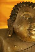 Buddha-statue im tempel — Stockfoto