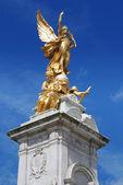 Queen victoria memorial london — Stock Photo