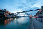 Dom Luis I Bridge illuminated at night. Oporto, Portugal wester — Stock Photo