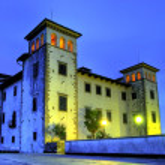 Castle Dobrovo at dusk — Stock Photo #6232419