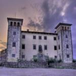 Castle Dobrovo at dusk — Stock Photo #6232420