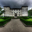 Manor Kromberk just before the storm — Stock Photo