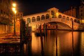 Rialto bridge in Venice Italy — Stock Photo