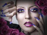 Portrait of beauty woman with fashion makeup — Stock Photo