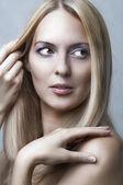 Ritratto di bellezza della giovane modella carino — Foto Stock