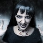 Horror and halloween concept. Female vampire — Stock Photo #6687507